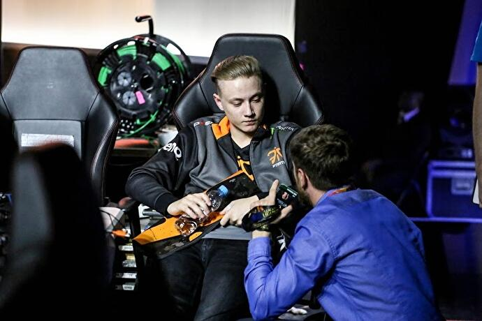 The carry: The strange career of a League of Legends star