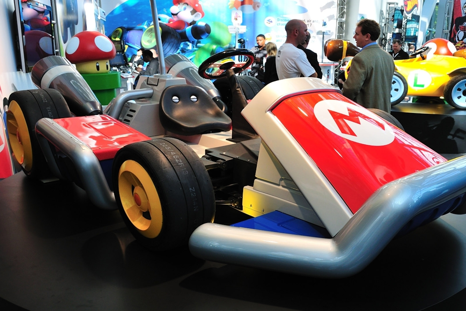 new 3d mario and mario kart wii u games at e3. Black Bedroom Furniture Sets. Home Design Ideas