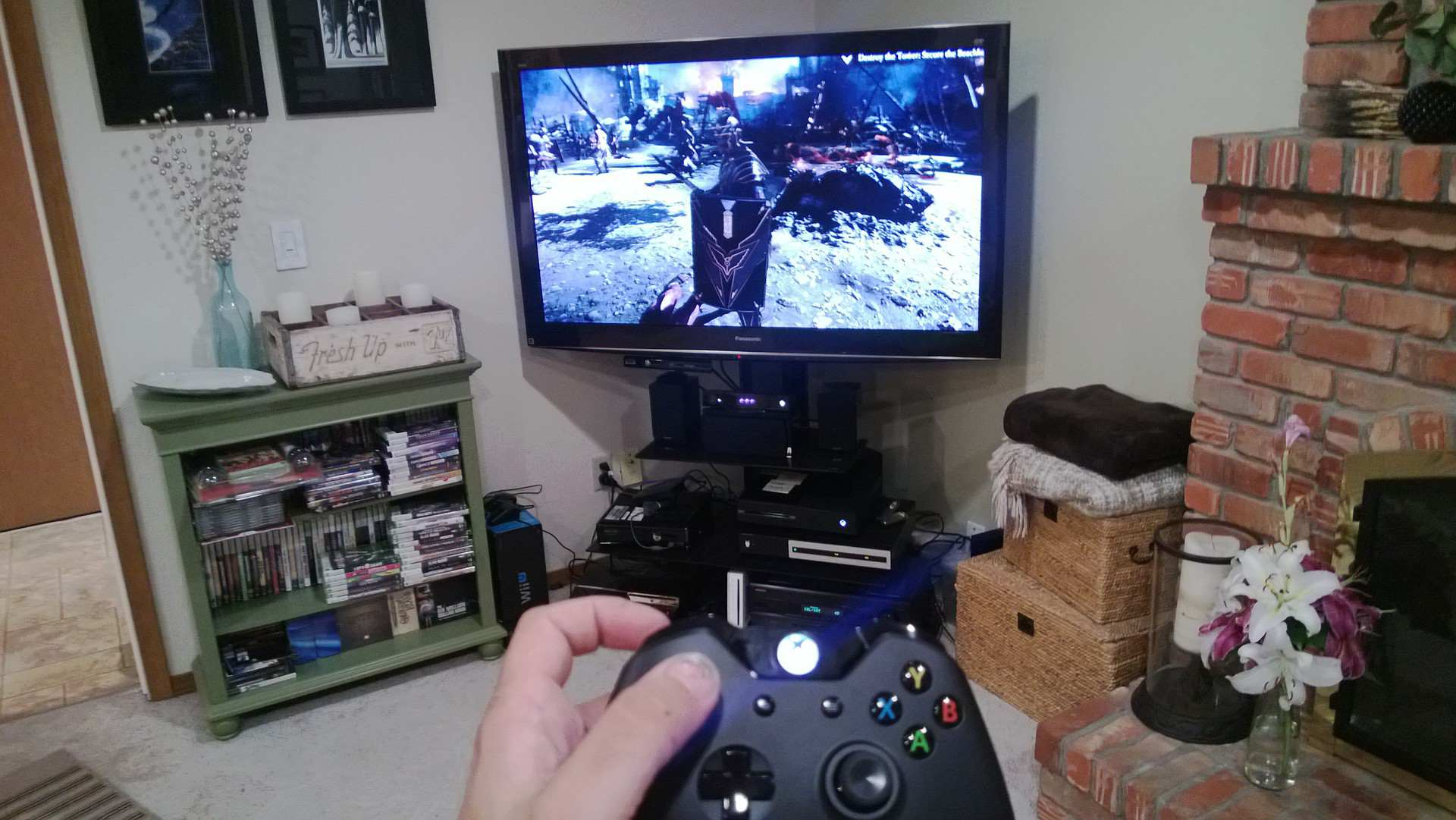 Is the xbox one ready for launch usgamer for Mueble para xbox one