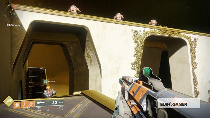 Destiny 2 Labyrinth Levers Underbelly Entrance Caluss Gifts Chest - Labyrinth-security-door-chain