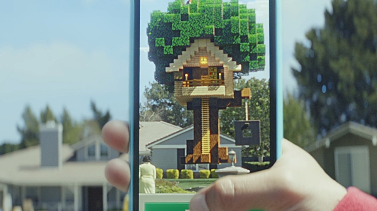 Minecraft Earth finally available in the UK