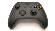 The Xbox pad evolves with tweaks to the form factor, a new share button, and a much improved clicky d-pad.