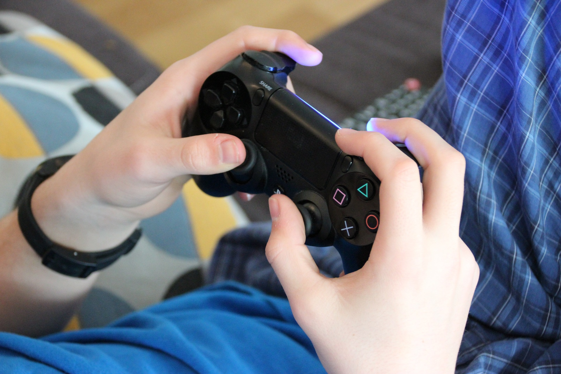 child playing games.