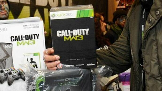 Modern Warfare 3 midnight launch photos
