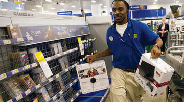 Best Buy sees revenue rise for Q1