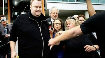 Kim Dotcom accuses NZ police of brutality during arrest