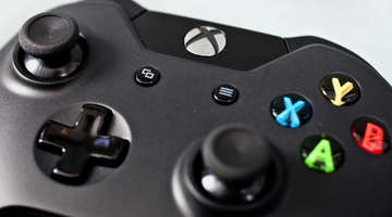 What the Xbox One Controller Says About Microsoft... and Nintendo