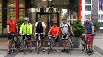 GamesAid cyclists raise �5000