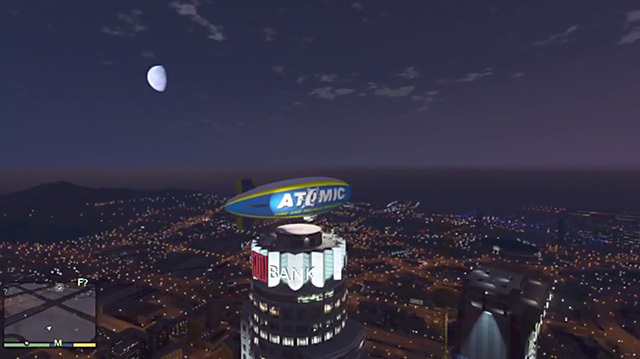 GTA 5's Atomic Blimp Pre-Order Bonus is the Only Way to Fly