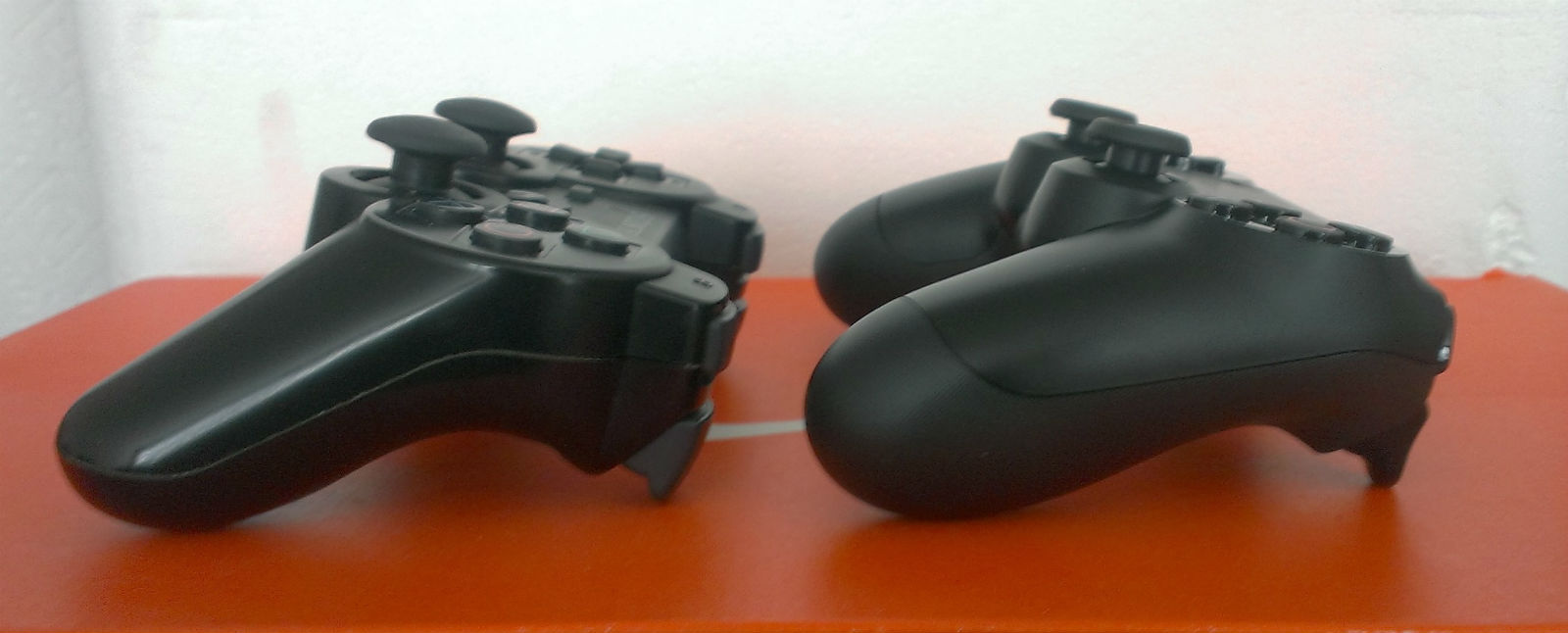 Just How Good Is The Dualshock 4 Hands On With New Ps4 Way Switch Joystick Controller Usgamer