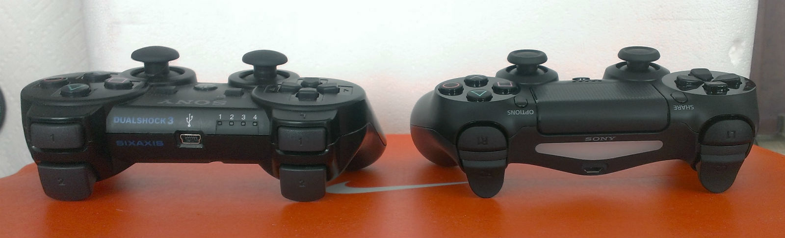 Just How Good is the DualShock 4? Hands On With the New PS4 ...