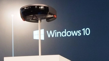"Microsoft: Hololens' visible area like 15"" monitor 2ft away"