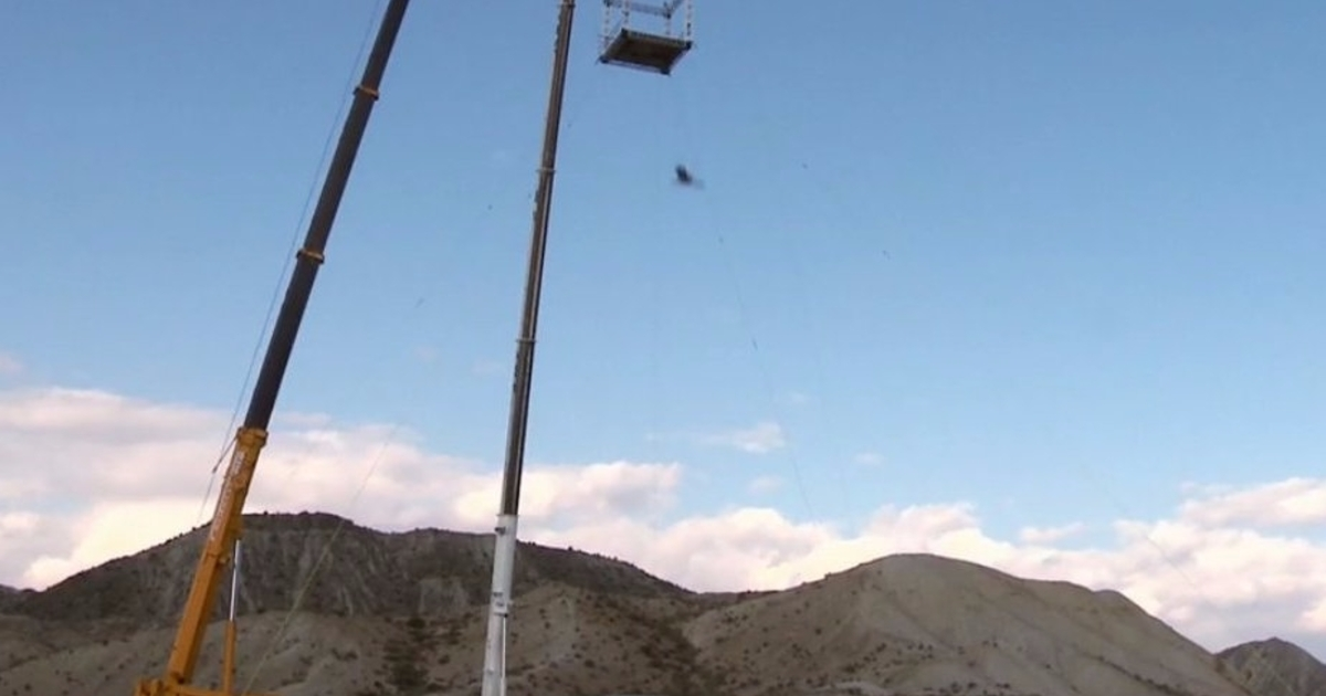 Assassin's Creed stuntman performs real-life leap of faith ...