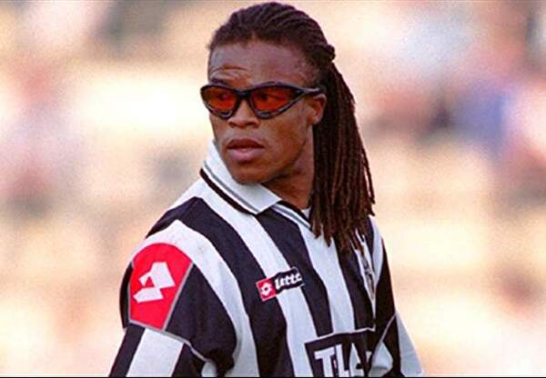 Riot Sued Over Striker Lucian Skin Resemblance to Edgar Davids