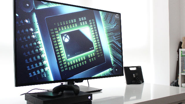 Xbox One X: 4K Monitor and 4K Television Compared