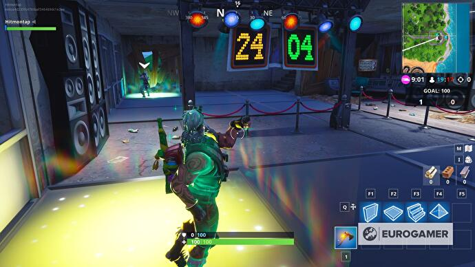 fortnite_dance_off_abandoned_mansion_4