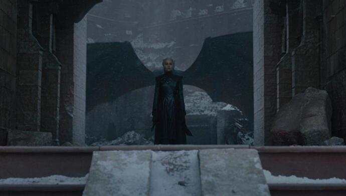 game_of_thrones_daenerys_with_wings