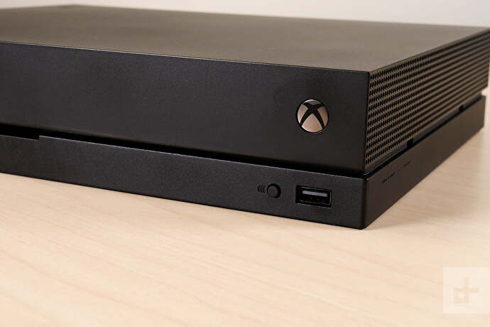 xbox_one_x_review_logo