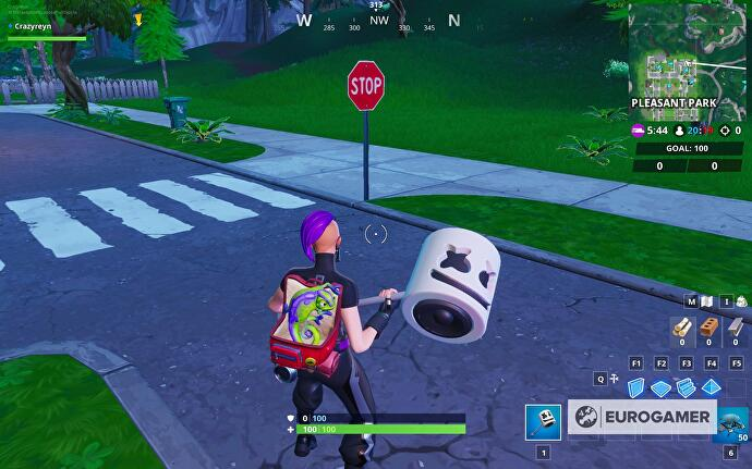 fortnite_stop_signs_2