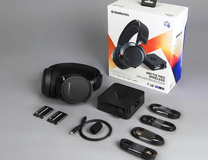 SteelSeries_Arctis_Pro_Wireless_0