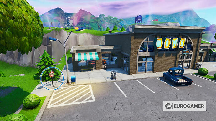 Fortnite_Season_10_Tanzverbotsschild_Retail_Row_Mission_Boogie_Down_Woche_6