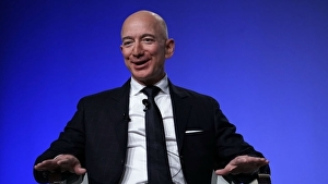 Jeff Bezos, CEO di Amazon, dona 10 miliardi di dollari per c