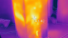 Another look at the centre of the console and its thermal profile under load.