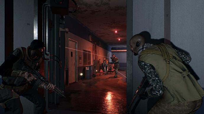 soldiers_take_cover_from_enemies_in_a_corridor